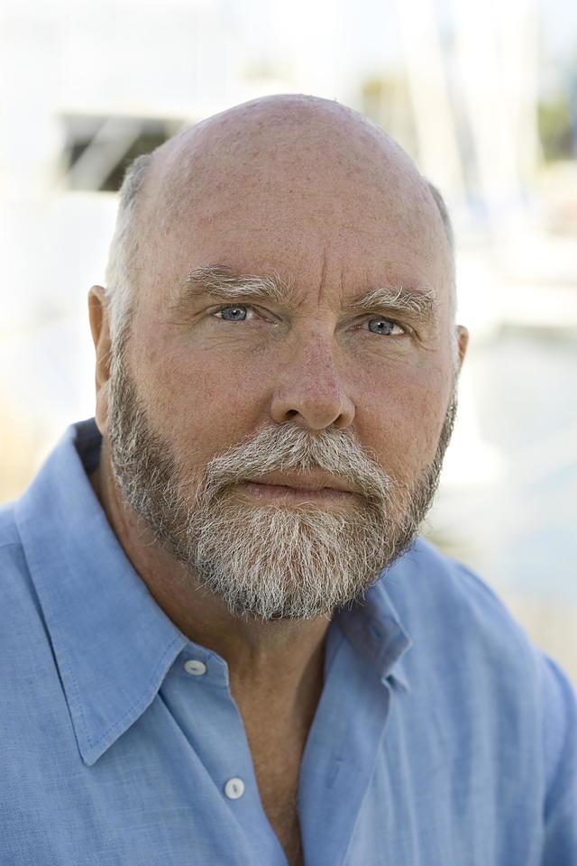 Craig J Venter